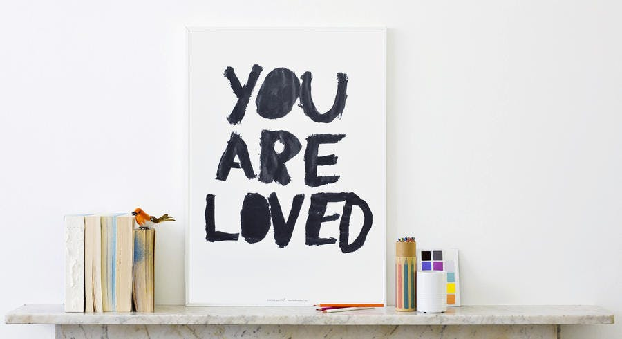 affiche_you_are_loved_love_creative_peopl.jpg