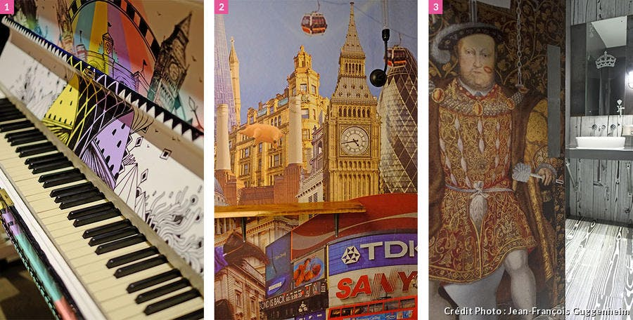 Ensemble de collages d'inspiration anglo-saxonne ornant le piano et les murs.