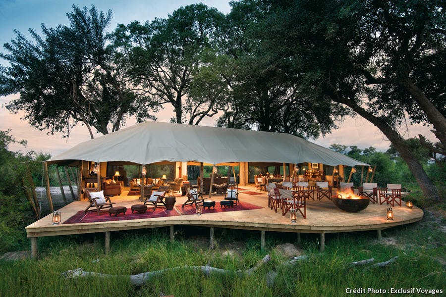 mcr-glamping-camping-tente-luxe-chic-duba-expedition-camp-main-deck-area-dook.jpg