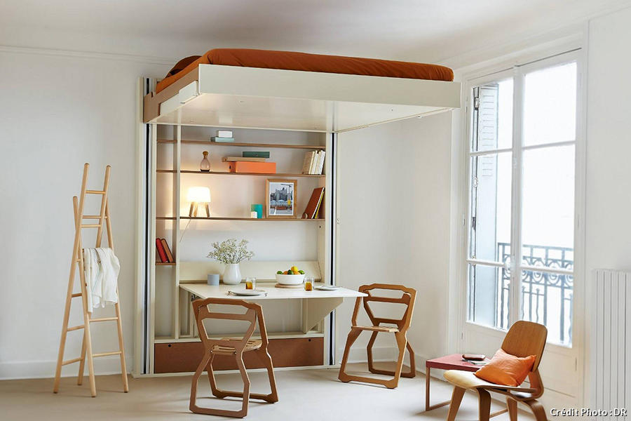 Un mezzanine escamotable dans un salon design